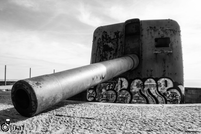 Hoje, os canhões estão calados pela paz e em decomposição pelo tempo. Na memória persistem as estruturas e a vista deslumbrante que se tem das baterias para a barra do Sado.