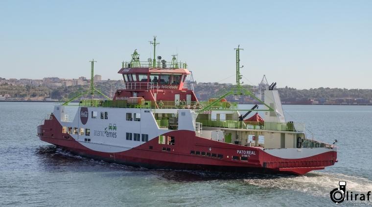 Esta imagem tem um texto alternativo em branco, o nome da imagem é trc3b3ia_ferry-1.jpg